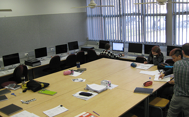 Students in a Mac Lab